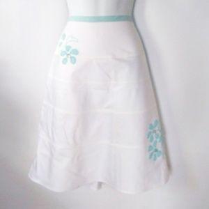 EUC a line floral aplique skirt